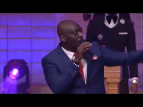 Sammie Okposo Ministering 'Aimasiko' Of The Legendary Ebenezer Obey At House On The Rock Church