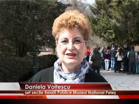 Plin de turişti la Peleş