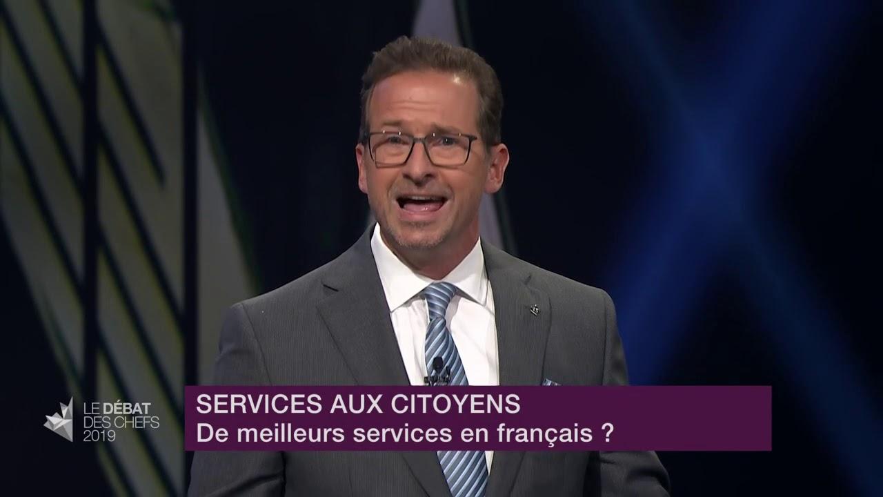 Yves-François Blanchet répond à la question d'un citoyen sur les services en français