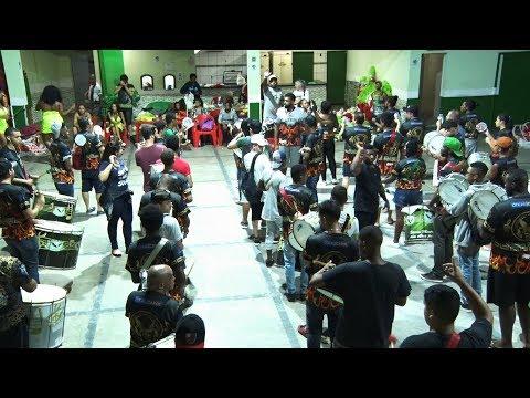 """Nova Friburgo: Vilage no Samba ensaia para """"renascer das cinzas"""""""