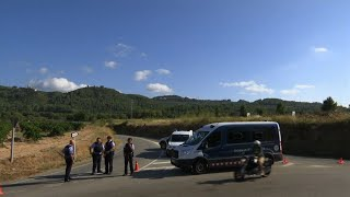 Raw: Police Kill Barcelona Suspect in Bomb Belt