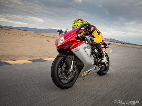 2014 MV Agusta F3 800 - Light-Heavyweight Shootout Part 4 - MotoUSA