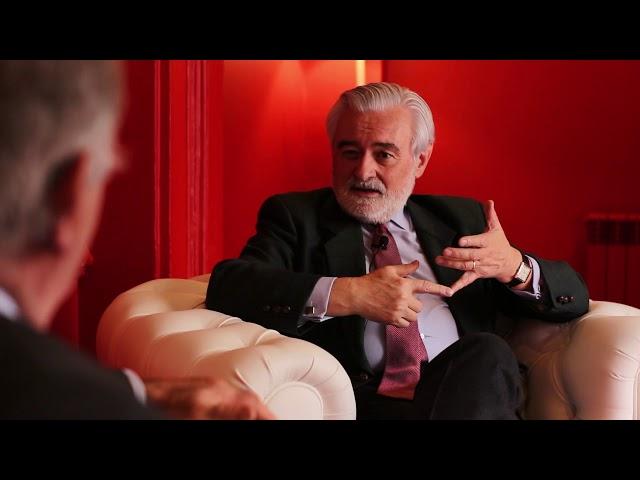 Dialogo entre DARIO VILLANUEVA y ALVARO GIL ROBLES