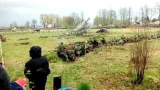 в Калининграде прошла реконструкция сражения великой отечественной  воины