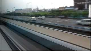 preview picture of video 'Fastest Commercial Train In The World - Shanghai Maglev'