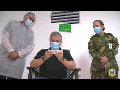 El Presidente Iván Duque recibió en el HOMIL la primera dosis de la vacuna contra el COVID-19