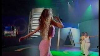 Rosalinda En Concierto - Thalia (Video)