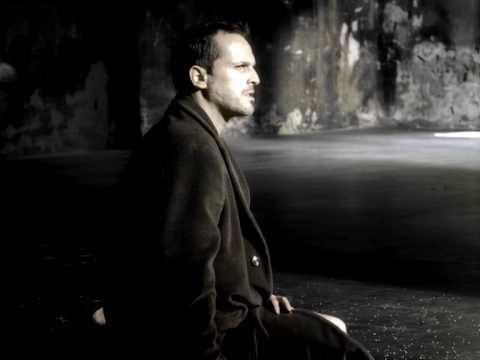 Miguel Bose - Vagabundo (Official Music Video)