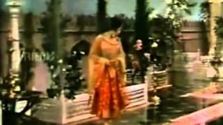 Lata Mangeshkar / Talat Mahmood: Mein Teri   - YouTube