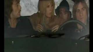 Η ταινία Les Valseuses με νεαρό Ντεπαρντιέ και Υπέρ, με Ζαν Μορώ, Μίου Μίου και λοιπές δημοκρατικές δυνάμεις συνέβαλε τα μάλα στην καθιέρωση της καλτιάς του βατράχου. (από Khan, 02/10/09)
