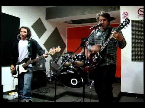 LOS INDIEGENTES - CARRERA DE RATAS (ENSAYO)