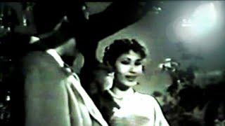 Badli mein chhupe chand ne kuchh Lata_Hemant   - YouTube