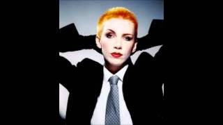 Annie Lennox-Walking on broken glass
