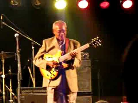 Ernest Ranglin & The High Notes - Surfin (live) online metal music video by ERNEST RANGLIN
