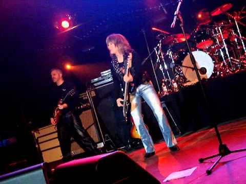 Rockin' In The Free World (live in Moscow) - Suzi Quatro