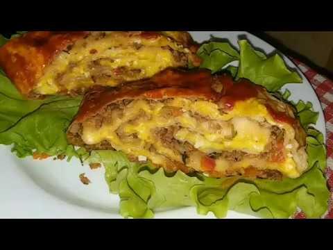 Мясной рулет с сыром в лаваше.