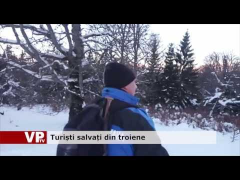 Turiști salvați din troiene