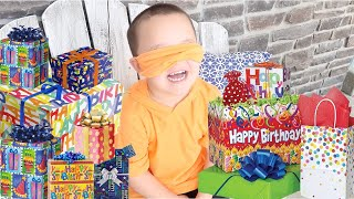 BLINDFOLD Birthday PRESENT Challenge!