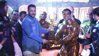 Salman Khan felicitates BODYBUILDER Prashant Salunkhe the winner of JERAI CLASSIC INDIA 2016.