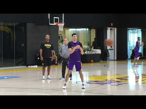 Lonzo Ball sports new look at Lakers' practice | ESPN
