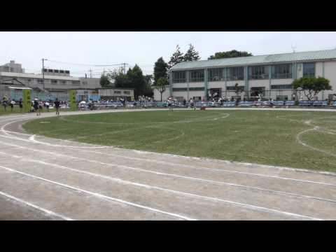 2015.05.23運動場が芝生で覆われる南第四小学校