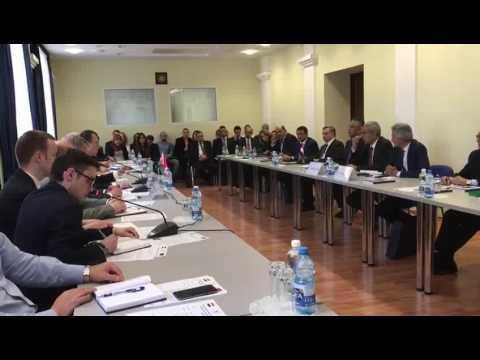الوزير/طارق قابيل فى بداية زيارته للعاصمة البيلاروسية يدعو المستثمرين البيلاروس للاستثمار فى مصر