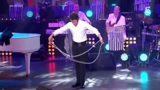 Jonathan Dassin Chante Siffler Sur La Colline    Ze Fiesta