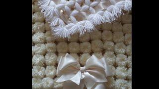 Pom Pom baby blanket. Beginner blanket suit beginner to blanket loom making.