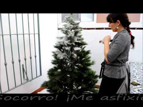 Árbol de Navidad con nieve / Snow covered Christmas tree
