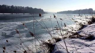 Teilweise zugefrorener Fluß Inn, Höhe Schechen b. Rosenheim, Oberbayern, 29.1.17/frozen river Inn