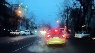В Алматы мужчина смог задержать автовора