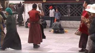 preview picture of video 'Barkhor in Lhasa, Tibet'