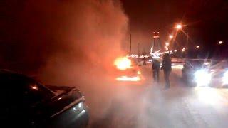 Возгорание автомобиля на Октябрьском мосту