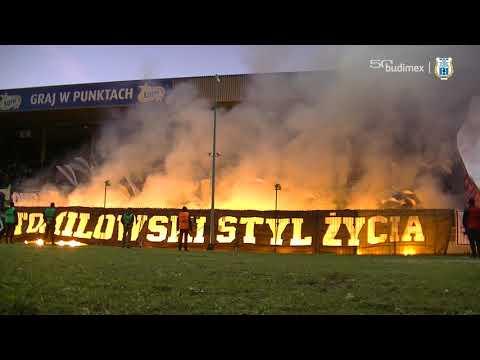Oprawa kibiców Stomilu podczas meczu z GKS-em Tychy