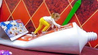 Настя играет на необычной площадке для детей Nastya pretend play at the indoor playground for kids