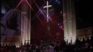 """Fred Hammond Live @ The First Baptist Church Of Glenarden Singing """"He Lives"""""""