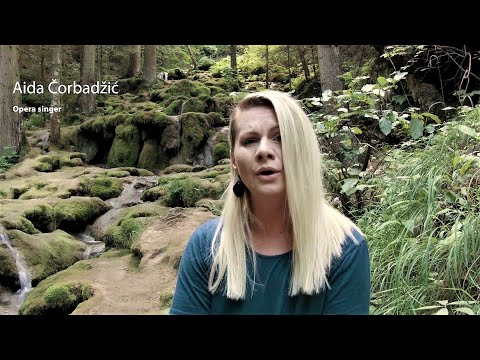 Video: Aida Čorbadžić at River Miljacke