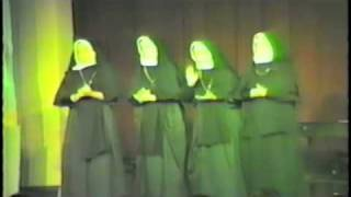Sound of Music dancing nuns 1983 (how do you solve a problem like maria)
