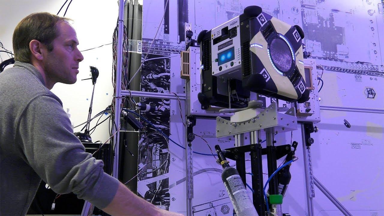 На МКС завершились первые испытания «роботов-пчел»