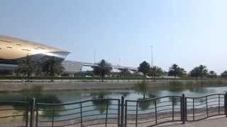 preview picture of video 'Mall of the Emirates Metro Station   Dubai'