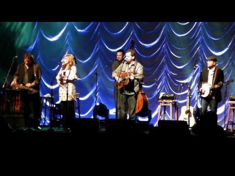 Alison Kraus & Union Station - Sawing on the Strings