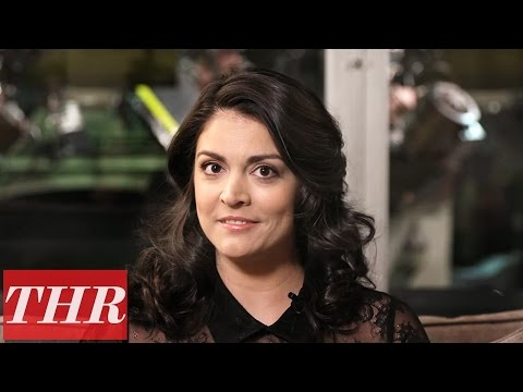 Cecily Strong on Melania Trump, 'SNL,' Alec Baldwin, 'Wayne's World' | THR Fishing for Answers