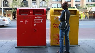 Australia Post races to keep up with online shopping boom