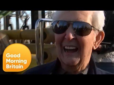 A 105 anni va sulle montagne russe: è il più anziano a provarci
