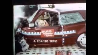 Volkswagen Golf III Crash Test