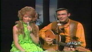 """Dottie West and Jim Ed Brown - """"Sweet Memories"""" and """"Love Is No Excuse"""""""