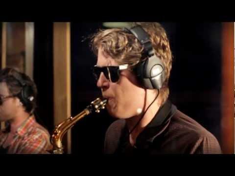 Woohoo Revue - El Torero - Studio & Live