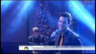 "Chris Mann - Roads (live on ""Today"")"