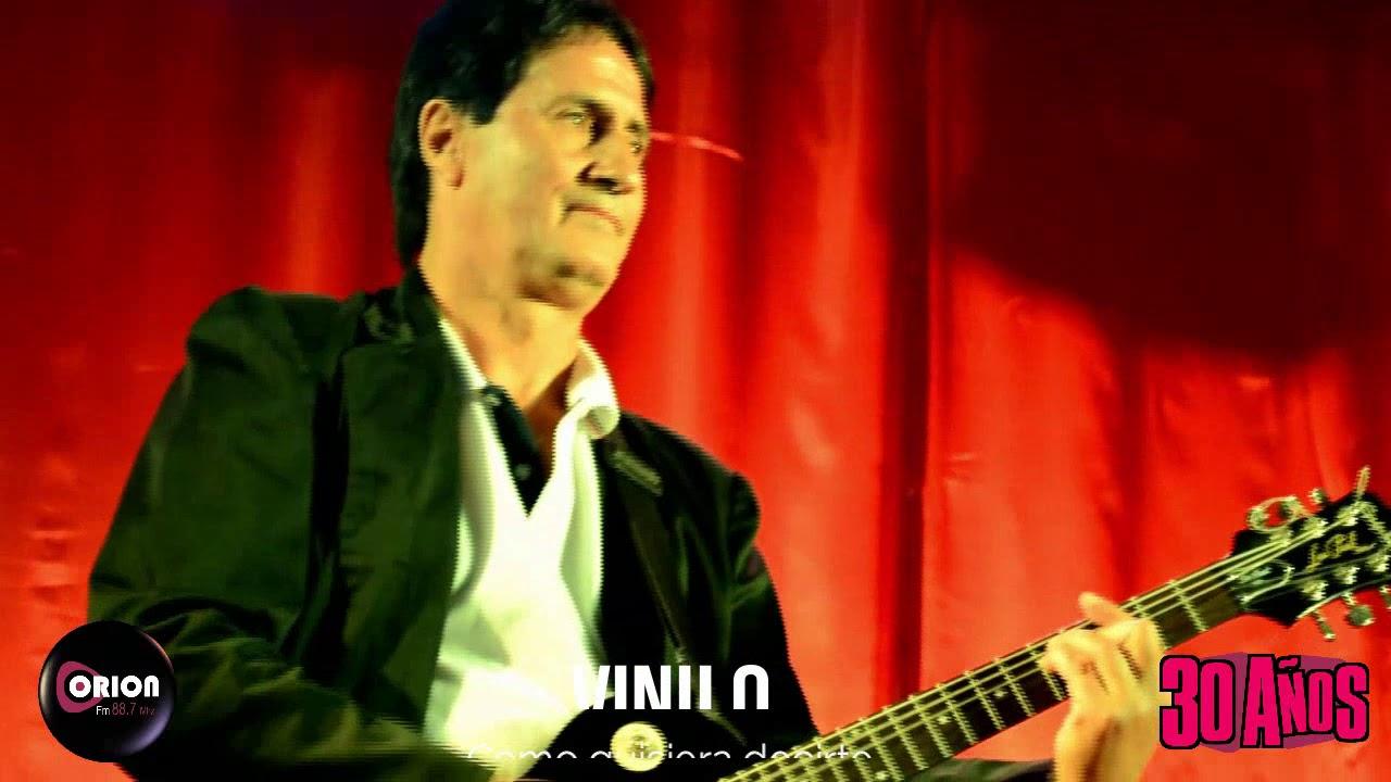 Actuación de Vinilo en los 30 años de la Radio Orion FM 88.7 MHz. Cantando el tema: Como quisiera decirte.