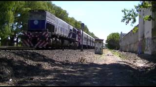 preview picture of video 'EMD GM GT-22CW-2 #A915 pasando por Santos Lugares'